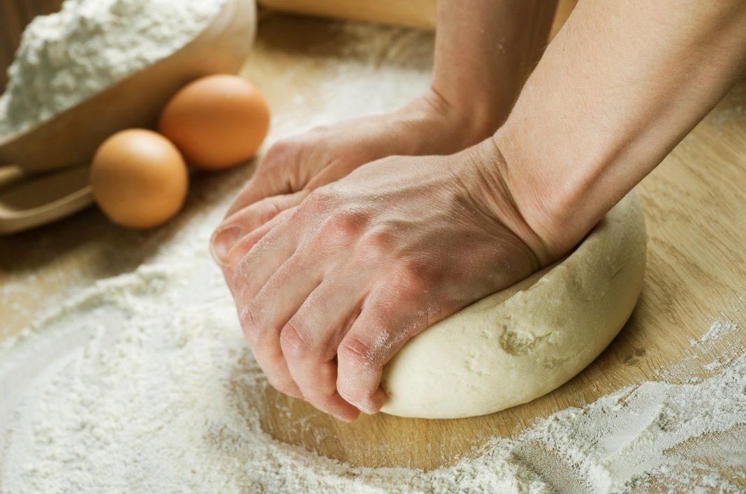Как приготовить тесто на пирожки без