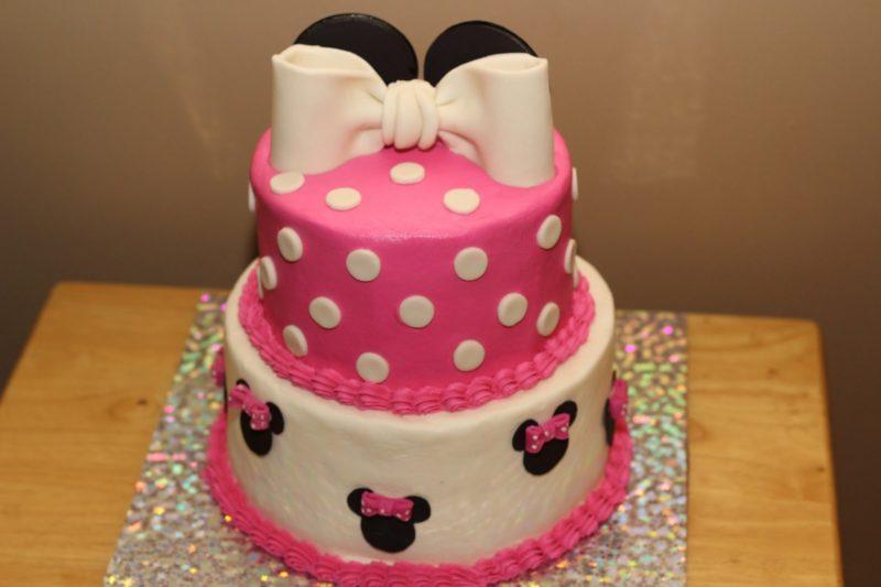 Двухъярусный торт для девочки
