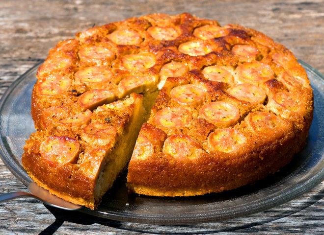 Банановый пирог в мультиварке из бисквитных коржей