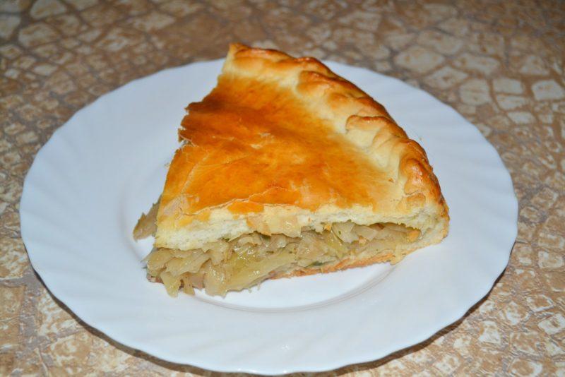 Пирог с капустой из дрожжевого теста базовый