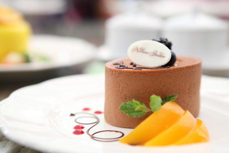 Десерт-суфле с персиками