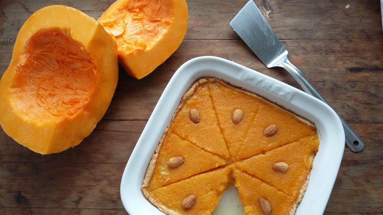 Тыквенный пирог с медом и специями