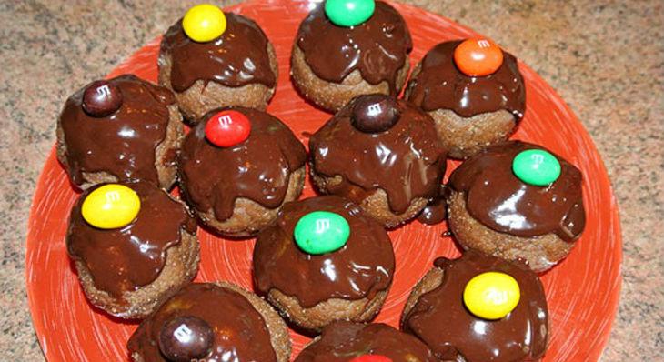 Детский десерт Радуга с конфетами Эмемдемс