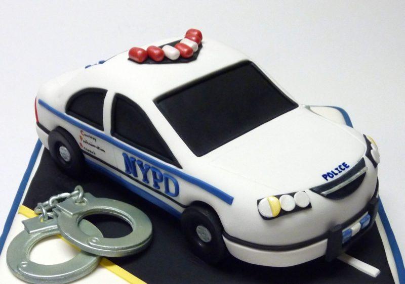 Торт «Полицейская машина»