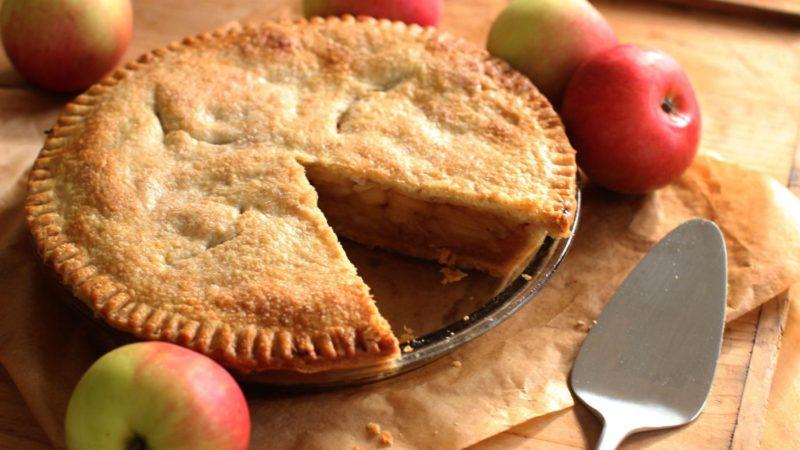 Американский яблочный пирог базовый