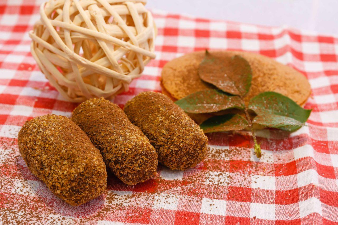 Картошка из овсяного печенья и сгущённого молока