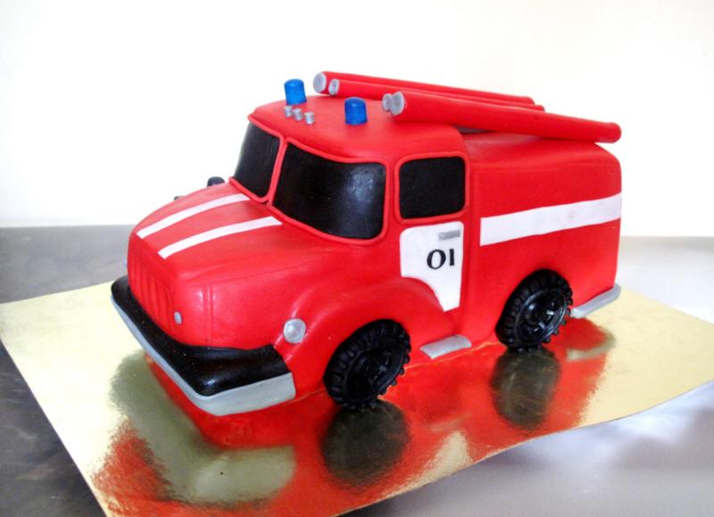 Торт «Пожарная машинка»