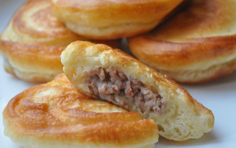 Пирожки с картофельно-мясной начинкой