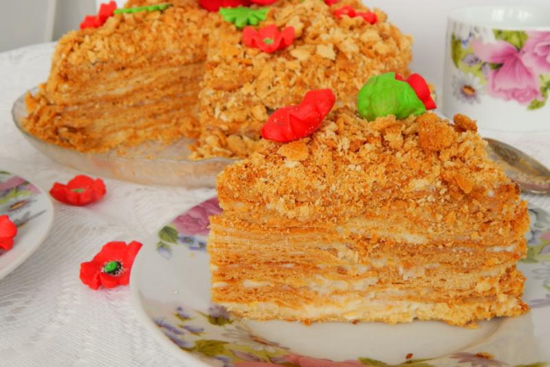 Торт Рыжик со сгущенным молоком
