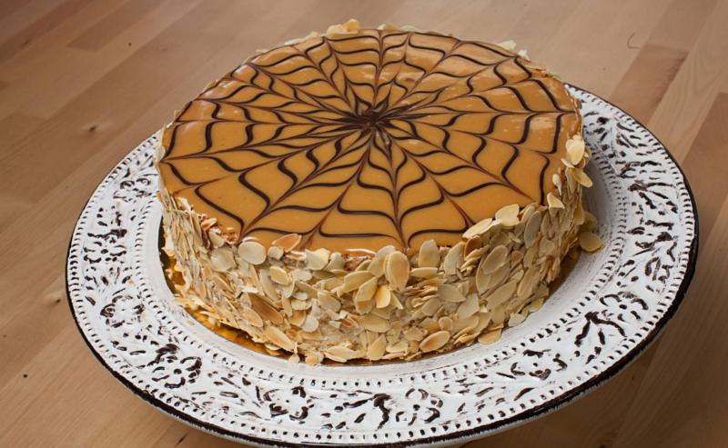 Торт Эстерхази на основе бисквита