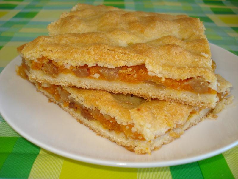 Пирог с тыквой и яблоками из песочного теста
