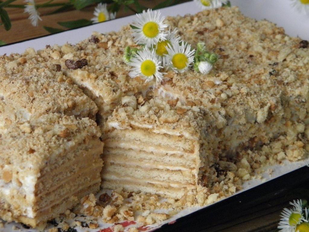 Торт из печенья без выпечки со сметанной прослойкой