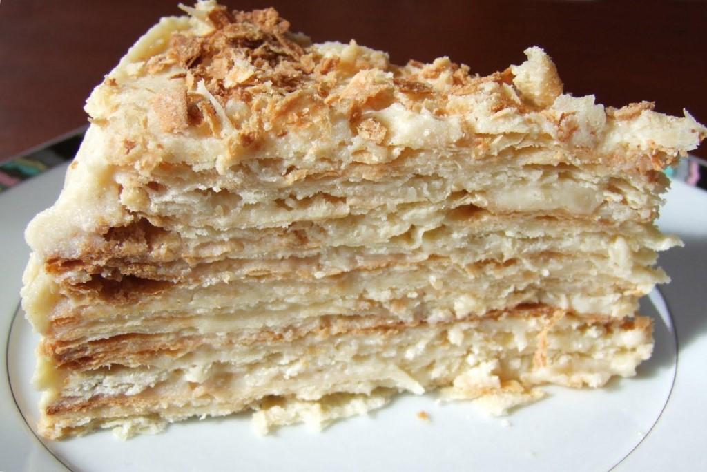 Торт из слоеного теста на скорую руку