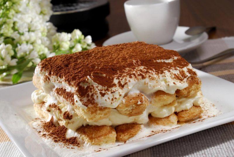 Десерт из печенья Дамские пальчики