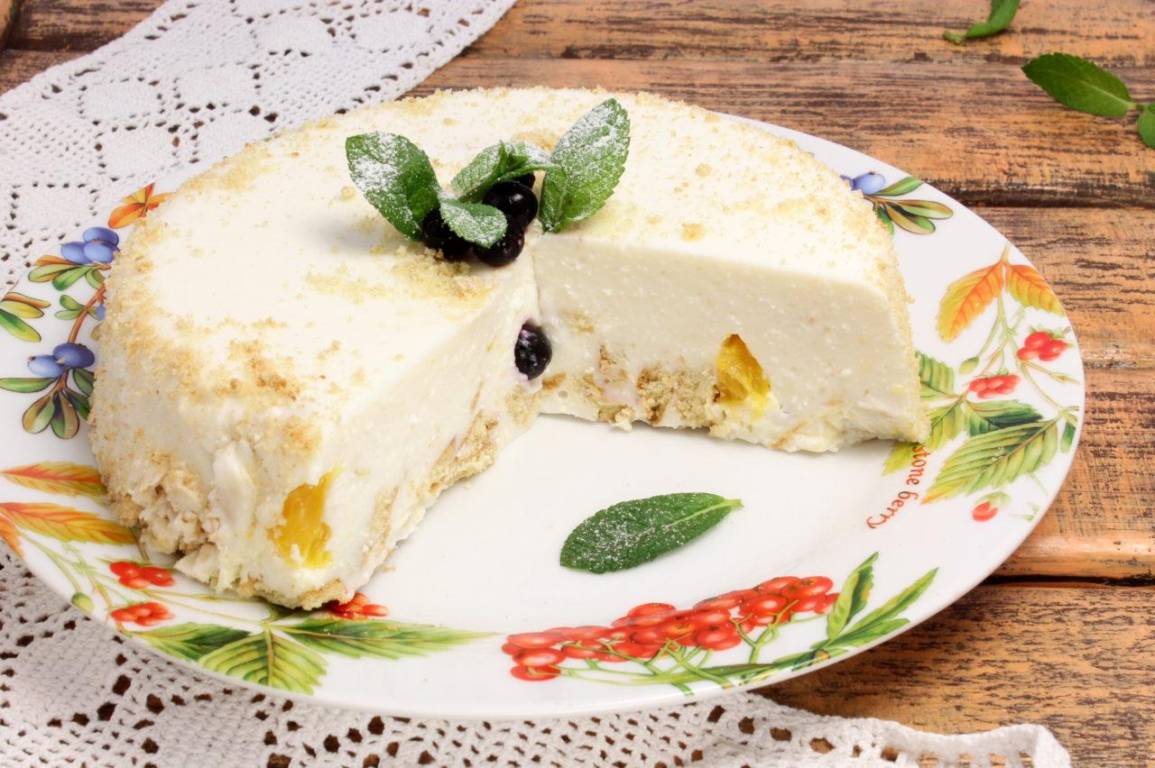 Простой творожный торт без выпечки