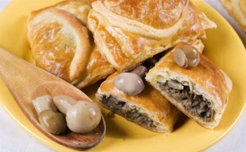 Пирог с картошкой и грибами слоёный