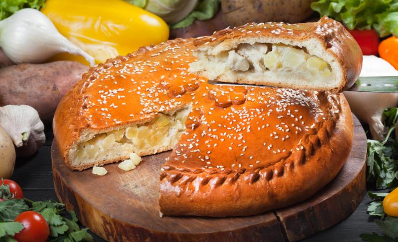 Пирог с картошкой и грибами куриный