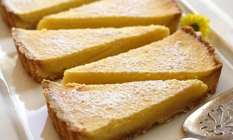 Двухслойный песочный пирог с лимоном