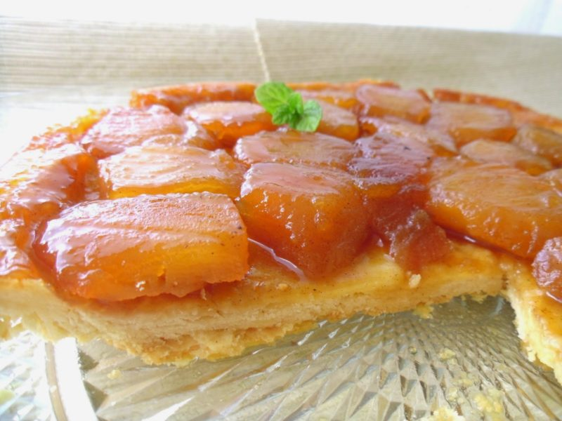 Французский яблочный пирог на тонком тесте.