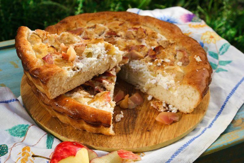 Творожно-яблочный пирог на кефире