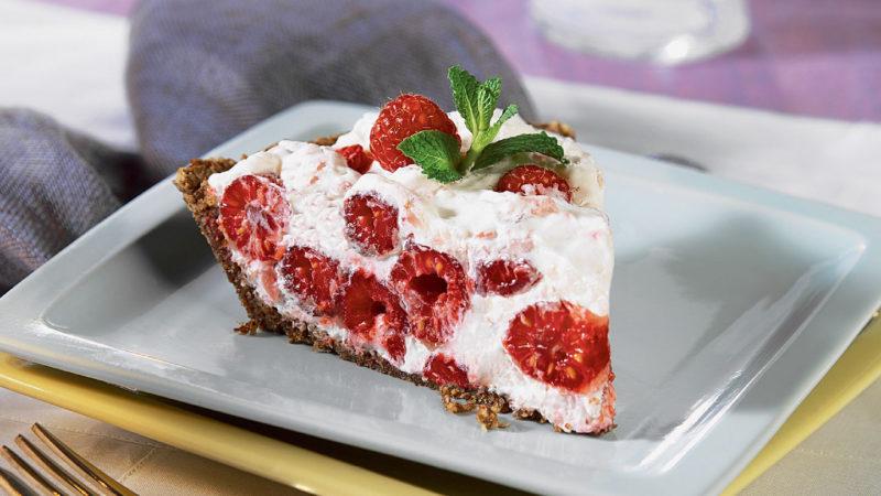 Пирог с малиной на йогурте