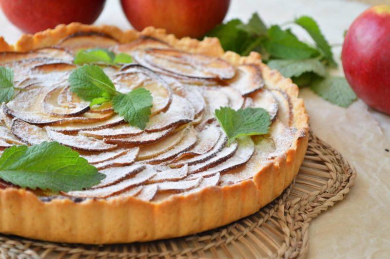 Творожно-яблочный пирог песочный